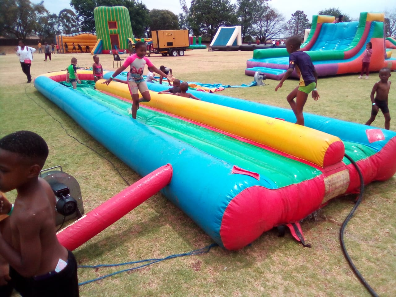 School teambuilding spanbou teambuild inflatable obstacle course